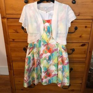 Floral dress with crochet Shaw and pockets! Sz 6